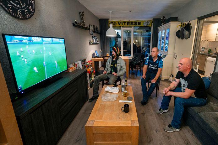 Arnhem, 21 november 2020. Vitesse doet het beter dan ooit, maar de supporters moeten thuis blijven. En naar Fox Sports kijken.