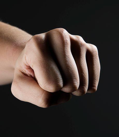 'Niet uit te leggen aan slachtoffer': minister moet Kamer uitleg geven over niet bestraffen kopschoppers