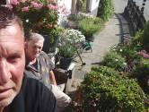 George en Wim boffen maar: niet alleen grootste achtertuin van Nederland, ook leukste voortuin