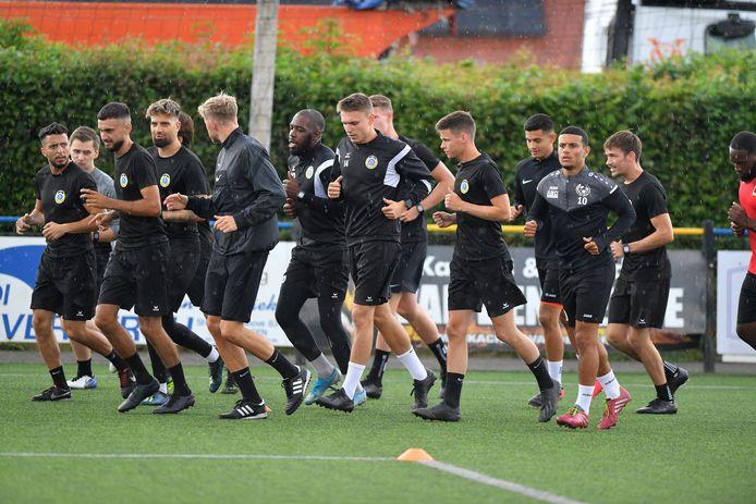 De spelers van Pepingen-Halle hopen volgende week op stage te kunnen gaan.