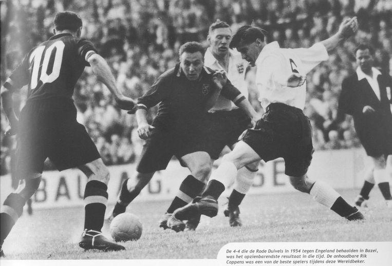 4-4 tegen het grote Engeland op het WK in Zwitserland na verlengingen. Fons Van Brandt houdt Stanley Matthews aan de ketting. Rik Coppens dwingt verlengingen af met de 3-3.