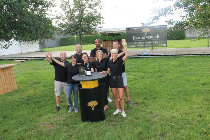 Een groep vrienden en buren uit de Boomgaardstraat is opnieuw klaar voor een nieuwe editie van Bar du VergeR. Die strijkt halfweg augustus twee weekends op rij neer in een gezellige boomgaard.