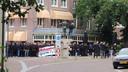 Demonstranten op het 5 Meiplein in Wageningen.