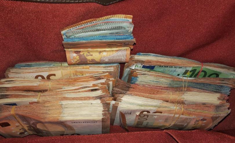 Contanten aangetroffen in de woning in de Koestraat bij Kerkdriel.