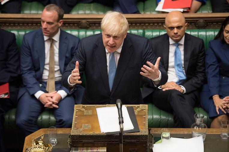 Boris Johnson tijdens zijn Lagerhuisdebuut als premier.  Beeld EPA