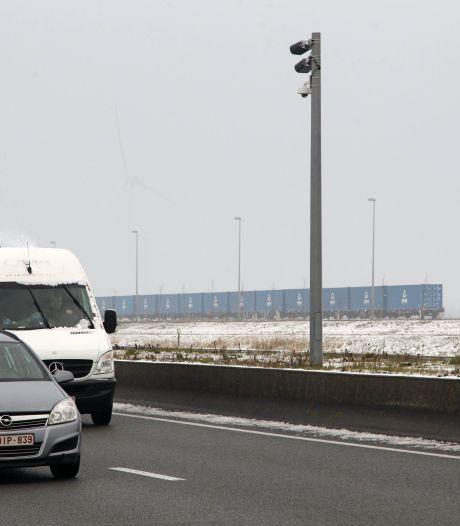Opletten voor wie dit weekend R4 neemt: werken gepland vlak bij Hundelgemsesteenweg
