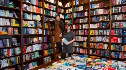 Met dank aan Tinder en paar glazen wijn: boekenwinkel mét wijnbar opent deuren in Hopland