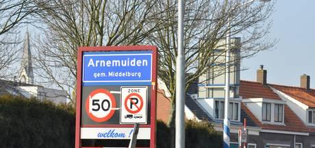 Museum Arnemuiden krijgt replica van oorkonde stadsrecht