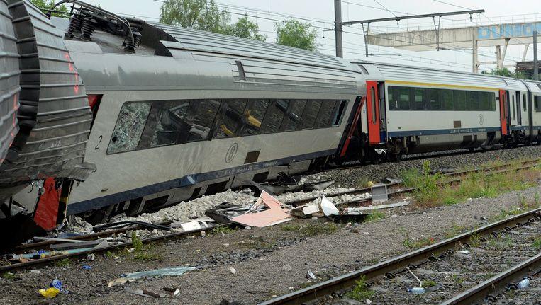 Het treinstel dat zondag verongelukte in Hermalle-sous-Huy. Beeld Photo News