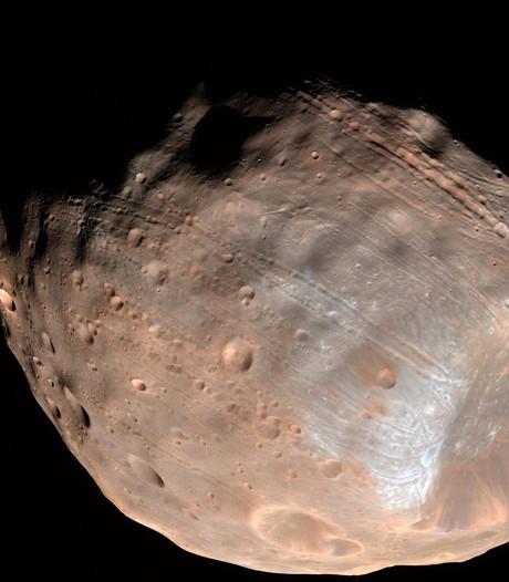 Planeet Mars verliest maan, maar krijgt ring