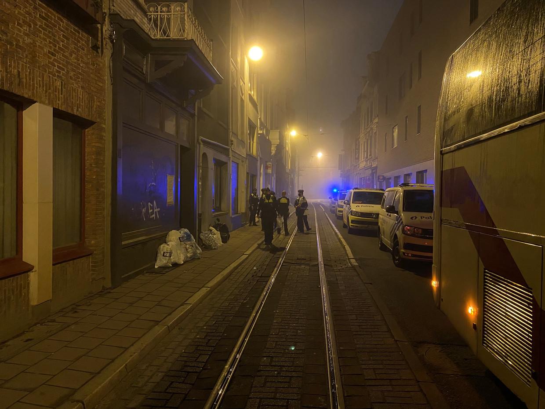 De politie onderbrak op 11 november een lockdownfeestje  in de Lange Nieuwstraat in het centrum van Antwerpen. Beeld rv