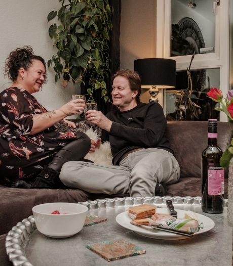 Chantal en Johan zijn allebei haantjes, maar toch al 26 jaar samen: 'Elkaar blijven verrassen is belangrijk'