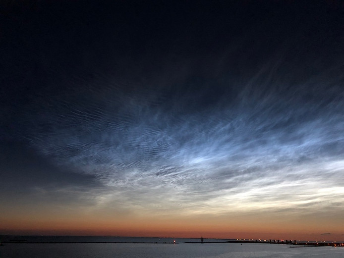 Nachtwolken boven Nederland.