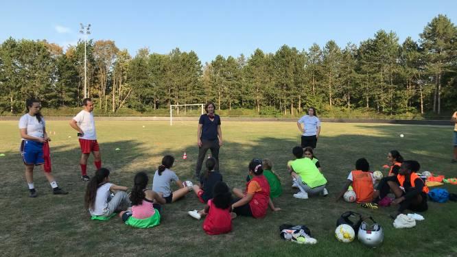 """Football Girls Leuven is een van de weinige voetbalclubs enkel voor vrouwen: """"Niet iedereen moet of kan een Red Flame worden"""""""