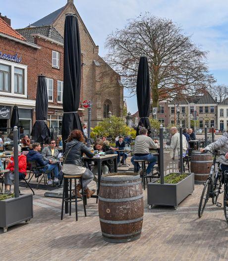 Zelfs het weer deed gezellig mee op de eerste terrasdag: 'Mensen zijn aan het genieten, ze zijn weer helemaal zen'