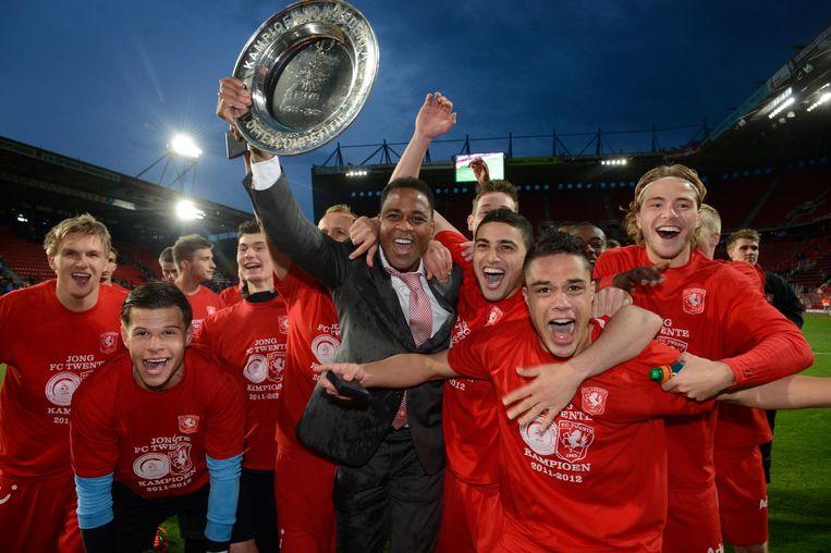 Patrick Kluivert in 2012, nadat Jong Twente de Beloften Eredivisie heeft gewonnen Beeld Hollandse Hoogte