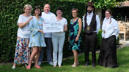 Sterrenschef schenkt 11.000 euro van aspergediner aan Kinderkankerfonds