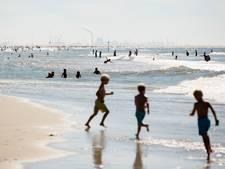'Monsterfile' naar de kust op eerste zomerse dag in vijf weken