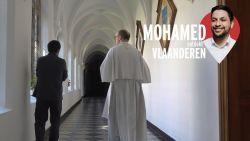 """""""Je kan niet claimen christelijk te zijn en nooit naar de kerk gaan"""": Mohamed ontdekt Vlaanderen"""