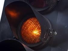 Slimme auto krijgt info over rood licht in Apeldoorn