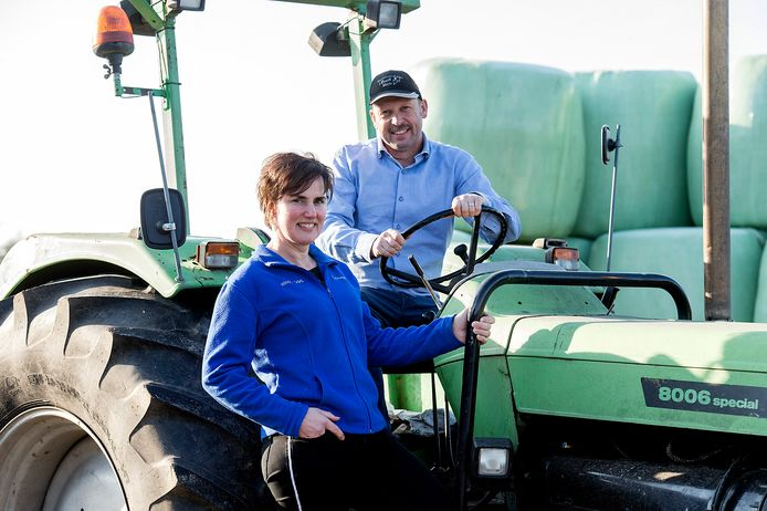 Lisette van Oosterhout runt samen met haar man Erik een veeteeltbedrijf en kaasmakerij in Made.