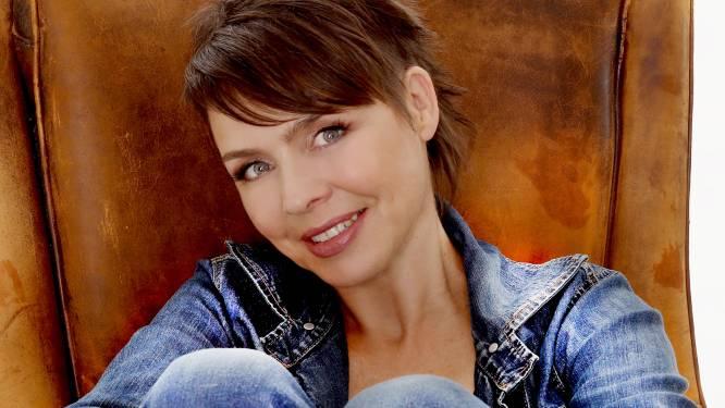 """Liselotte Van Dooren brengt deze maand met 'You' haar vierde single uit: """"Muziek, tekst, productie en clip zijn allemaal het werk van Ronsenaars"""""""