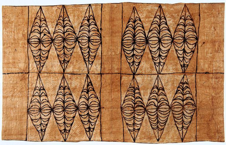 Geklopte boombast van papiermoerbeiboom. Nationaal Museum van Wereldculturen; Tonga-Polynesische culturen; Tonga; 1990. Beeld Nationaal Museum van Wereldculturen