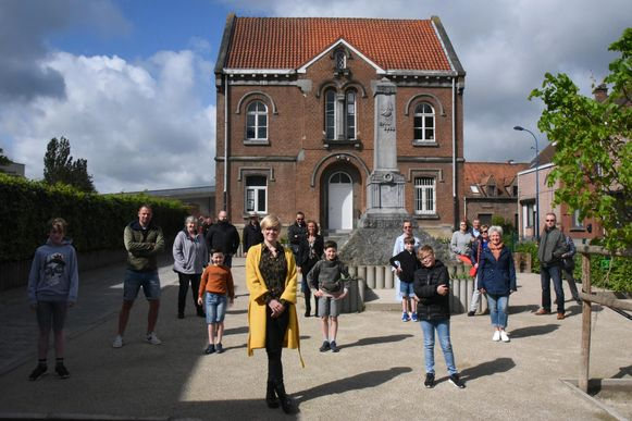Het actiecomité verzamelde vrijdag voor het oud gemeentehuis. De leden respecteerden daarbij de regels rond social distancing.