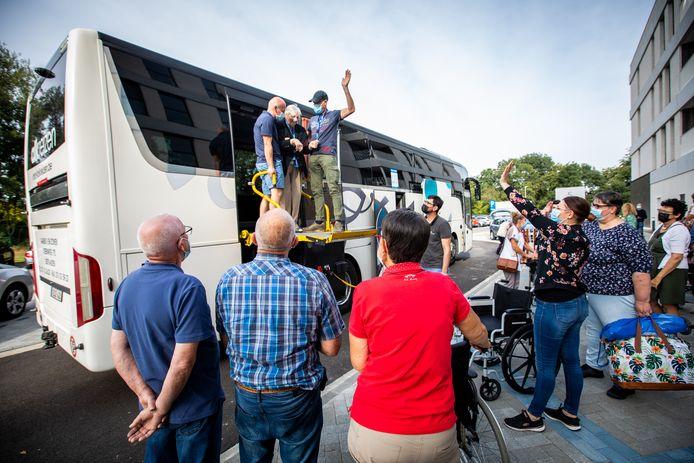 Alle 87 bewoners van WZC Cecilia in Alken verhuisden met de bus naar hun nieuwe, gloednieuwe thuis.