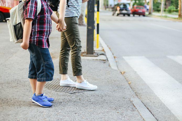 """Child focus lance le concept """"Max"""" aujourd'hui/vendredi afin que chaque enfant de 10 à 12 ans ait une personne de confiance, un Max, à qui confier ses problèmes, poser ses questions ou avec qui simplement discuter."""