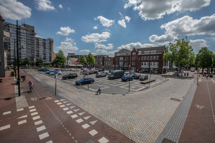 Het Ameideplein zou in de toekomst weleens op de schop kunnen gaan. Parkeerplaatsen kunnen dan plaatsmaken voor meer groen