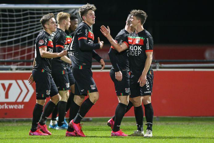 Ole Romeny (midden) bezorgde NEC de winst tegen Jong FC Utrecht. Het zou de laatste wedstrijd van dit seizoen worden.