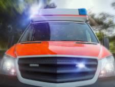 Ulftse (21) en Nijmegenaar (51) zwaargewond bij botsing met sleepwagen in Emmerik