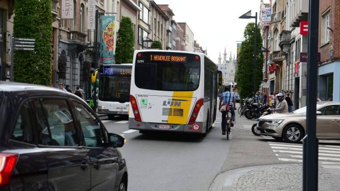 """Handelaarsorganisatie Bondgenotenlaan: """"Niet hoge huurprijzen maar de stroom van bussen is het probleem voor onze winkelstraat"""""""