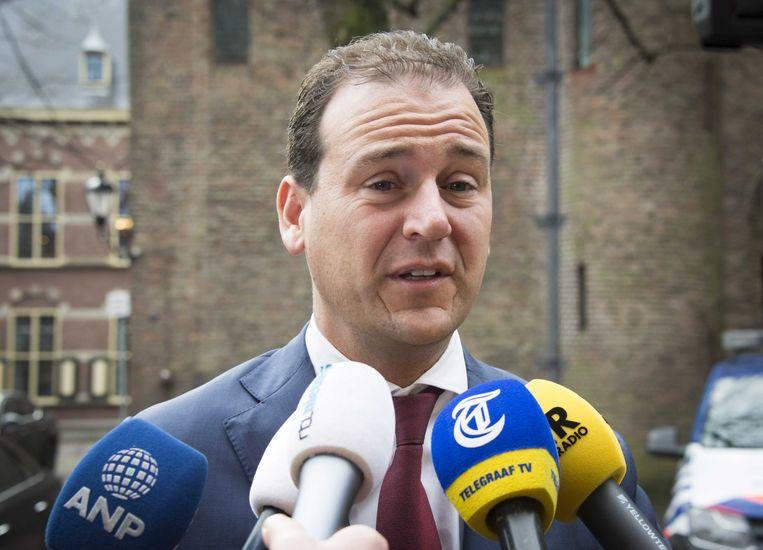 Lodewijk Asscher bij aankomst op het Binnenhof voor de ministerraad.  Beeld ANP