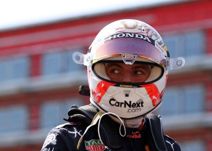 Max Verstappen op het circuit in Silverstone.