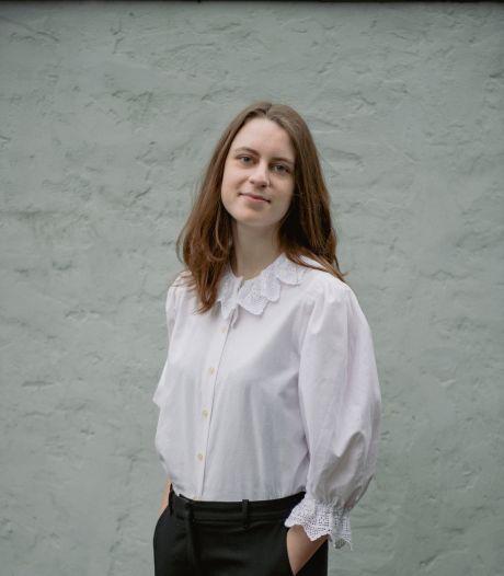 Suzanne Voets uit Nuenen jongste debutante ooit bij bekende uitgeverij: 'Boek is werkelijk uniek'