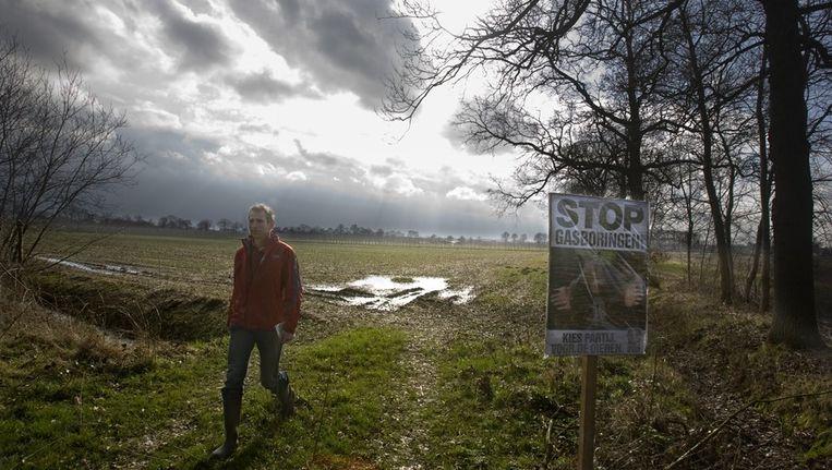 Willem Jan Atsma op de plek van de proefboringen naar schaliegas. Foto © Koen Verheijden Beeld