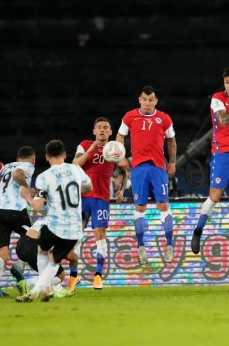 Argentinië eert Maradona tijdens Copa América, Messi doet er schepje bovenop met knappe vrijschop