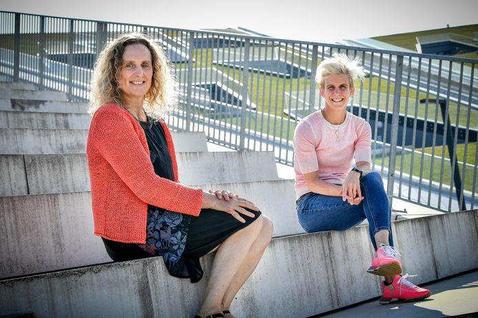 Heidi Rakels (links) en Ann Simons