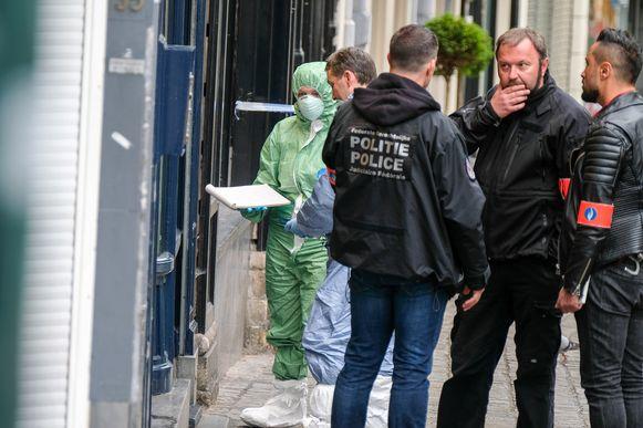 Politie onderzoekt overval op antiquair Jean-Pierre Witmeur, waarbij Salah Ghemit, Akim Saouti en Mohamed Saouti ook betrokken zijn.