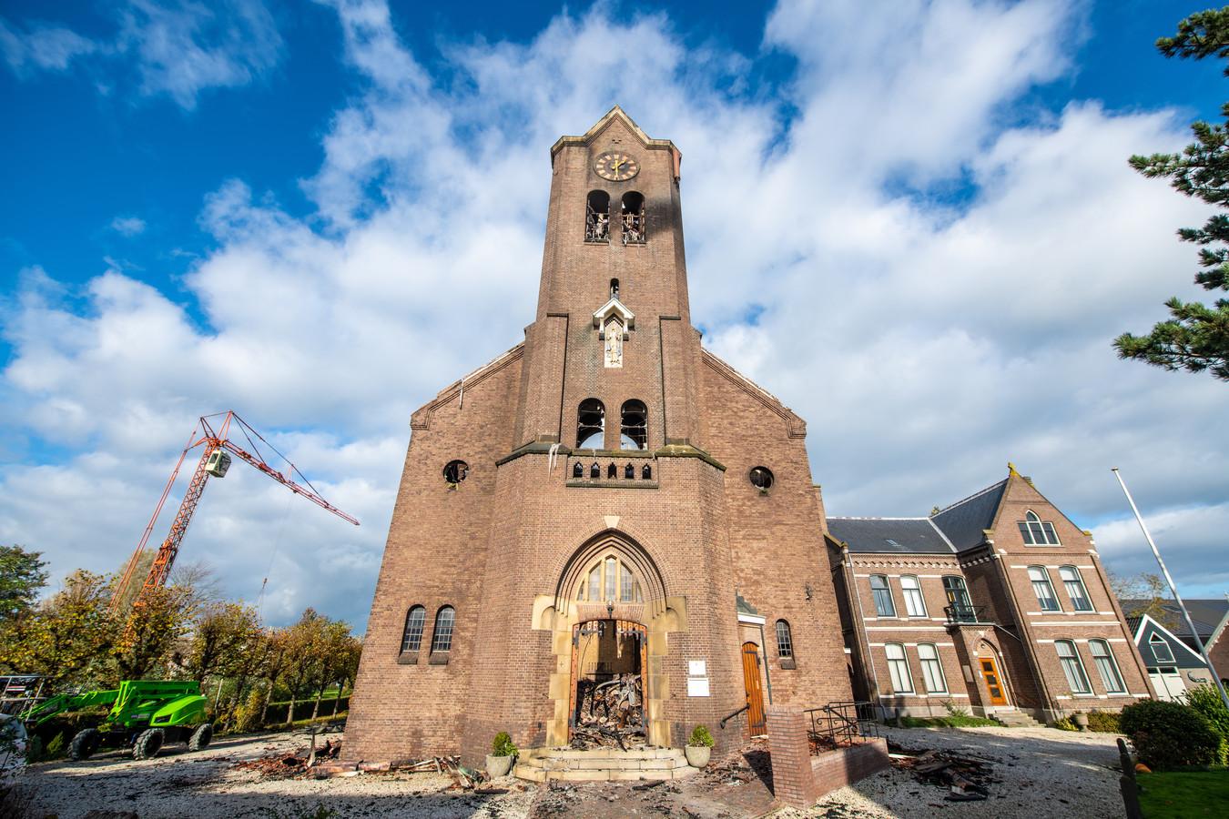 Schade aan de Onze-Lieve-Vrouw-Geboortekerk in Hoogmade na een verwoestende brand