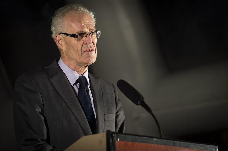 Burgemeester Joop Alssema van de gemeente Staphorst speecht na afloop van de stille tocht. Beeld anp