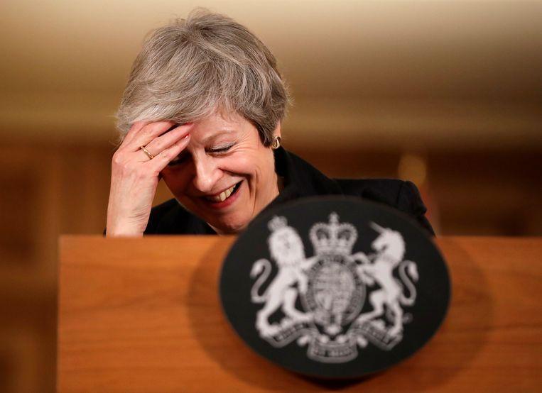 De Britse premier Theresa May tijdens een persconferentie vandaag. Beeld REUTERS