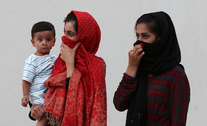 Afghaanse vrouwen in een evacuatiecentrum in Qatar.