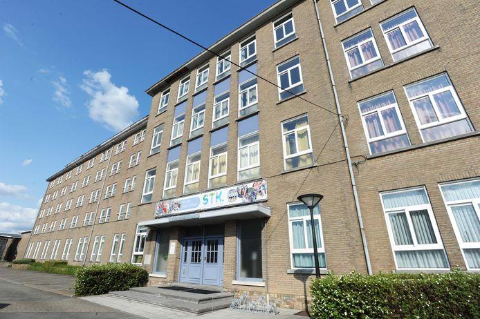In het Sint-Theresiacollege staan zowat 130 kinderen op de wachtlijst.