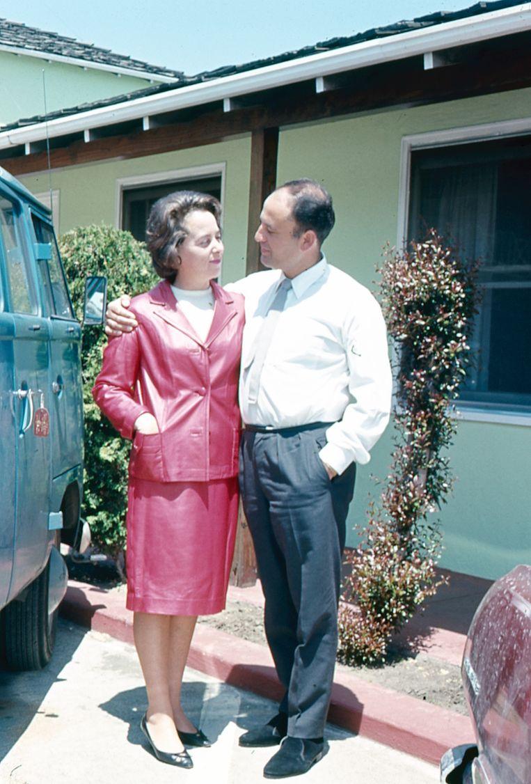 Maurice en Florence Schellekes in Israël, ongedateerd.  Beeld Privéarchief