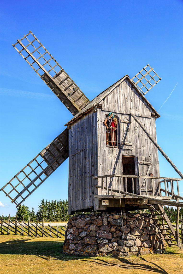 Een van de oude molens op het Estse eiland Saaremaa. Beeld Ruben Drenth