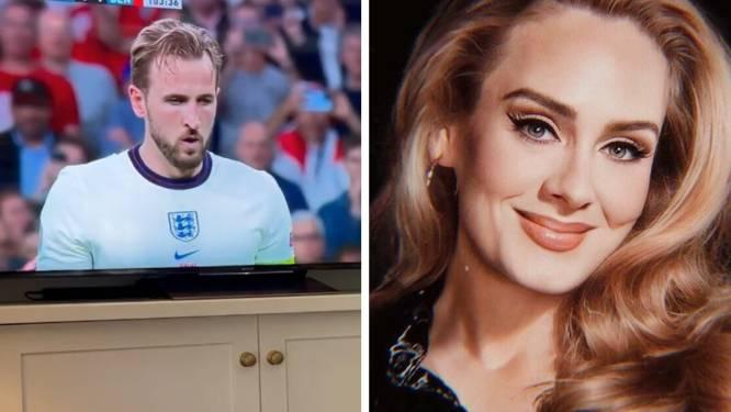 La chanteuse Adele explose de joie lors de la victoire anglaise
