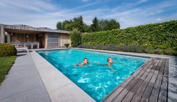 Vroeger moest je minstens 80.000 euro aan de kant houden, vandaag ben je voor minder dan de helft aan het zwemmen.
